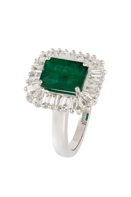 Anel Esmeralda com diamantes